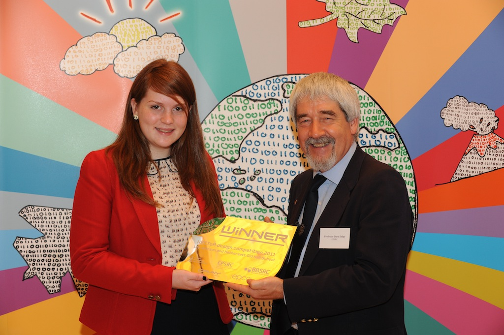 Prof. David Delpy, Chief Executive of EPSRC with Lily Johnson, winner of the HECToR Schools Art Competition (Photo: P. Tuffy, University of Edinburgh)